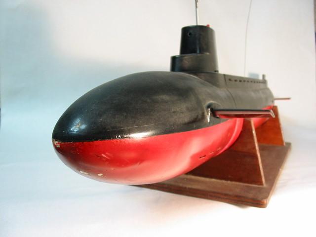 ロベ社ラジコン潜水艦シーウルフ